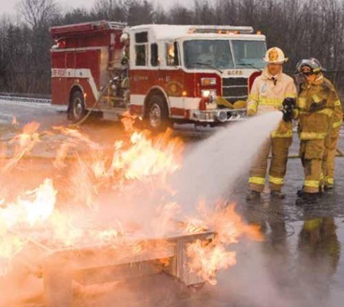 消防水带和灭火器训练系统